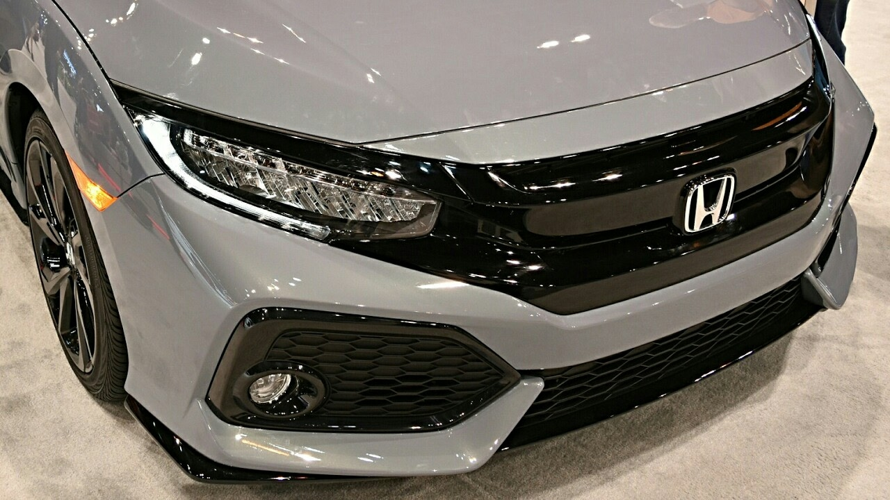 2017 honda civic hatchback sport touring youtube for 2017 honda civic curb weight