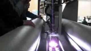Плазменная дуговая сварка продольных соединений(Ролик демонстрирует универсальную систему автоматизированной плазменной сварки продольных соединений..., 2010-10-30T14:38:57.000Z)