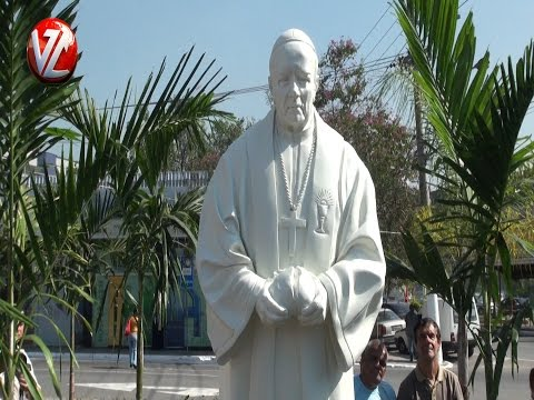 Estátua em homenagem a Dom Waldyr é inaugurada em Volta Redonda