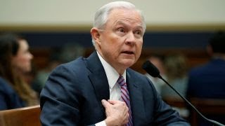 Lawmakers press Sessions on his contacts with Russia thumbnail
