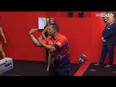 PDC World Darts Championship 2014 - Second Round - Pipe VS Petersen