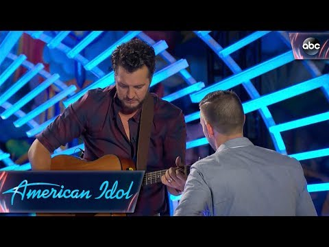 Luke Bryan Helps Out Auditioner by Tuning His Guitar – American Idol 2018 on ABC