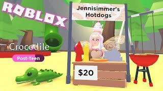Selling Hot Dogs! Roblox Adopt Me