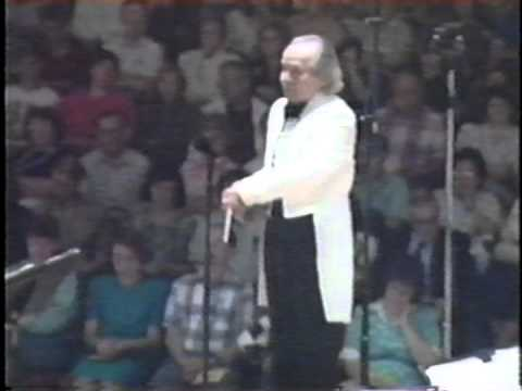 """""""Divertimento for Band"""" USAF Heartland of America Band, Frederick Fennell conducting"""