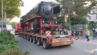 Schwertransport der Firma Märklin BR 44