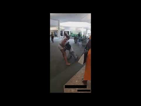 Giant Brawl Breaks Out At Mall People Get Wrecked