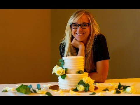 how-to-make-a-simple-and-easy-elegant-wedding-cake-+-blooper