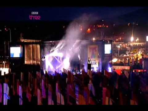 The Killers - Jenny Was A Friend Of Mine (Live T in the Park 09)