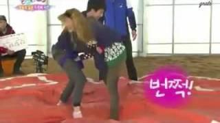 120211 hyoyeon snsd vs amber f x cut