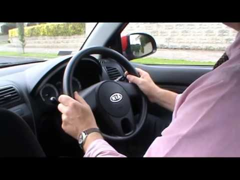 How to turn your steering wheel correctly
