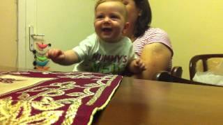 Hapşırınca gülen bebek Ali Mete!