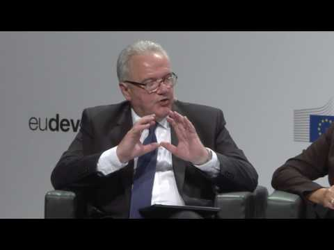 EDD17 - Replay - The smart investment - Empowering women in the economy