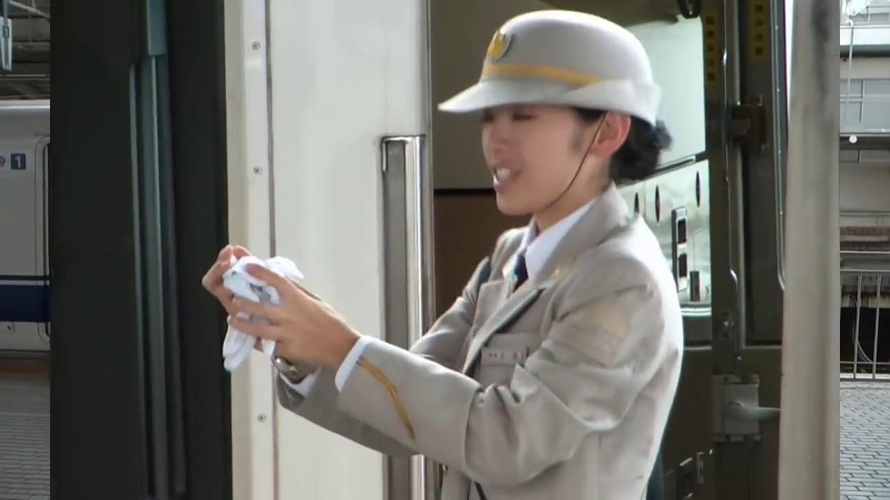 The Crew Autos >> Shinkansen 300系 & 500系 @ Shin-Ôsaka station + Beautiful female crew operations. - YouTube