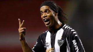 Ronaldinho - super goals 07.08.2013 (Atletico-MG) vk.com/ea_fifa14 mix Роналдиньо 2 гола new(Ronaldinho super goals 07.08.2013 Роналдиньо 2 супер гола new Atletico-MG vk.com/ea_fifa14 mix http://ok.ru/fifa14 http://vk.com/ea_fifa14., 2013-08-09T06:03:00.000Z)