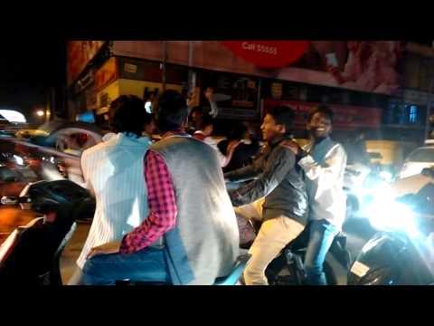 Stunts in Bangalore.!! Mg road!! New year 2016