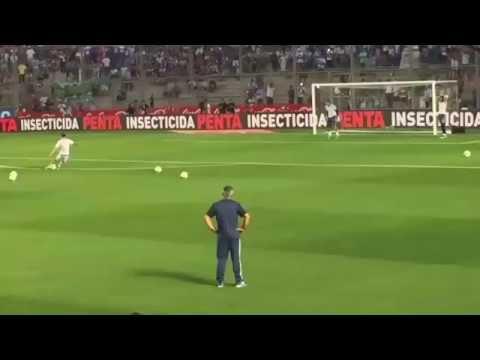 La tenía medida: mirá el golazo de tiro libre que hizo Messi en la previa y repitió en el partido