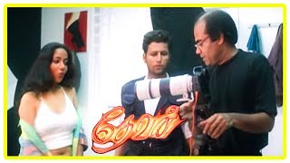 Devan Movie Scenes | Title Credits | Thalaivasal Vijay is chased | Arun Pandian