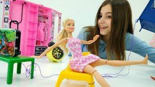 Видео для девочек - Кукла Барби и шутки на 1 апреля