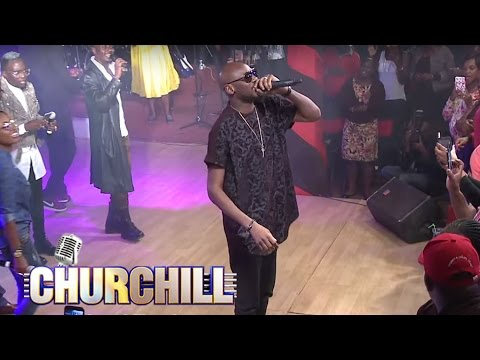 """2Face Idibia performs """"African Queen"""""""