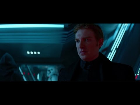 Domhnall Gleeson as General Hux In Star Wars The force awakens