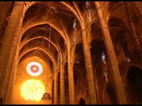 Espectaculo de luz en La Seu, catedral de Palma de Mallorca. Llums de Sant Marti