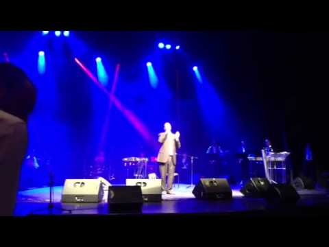 Yeedle singing Aneinu
