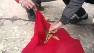 عاجل   حرق العلم المغربي من قبل الجزائريين