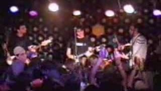 Fresno - A Sete Palmos do Chão (ao vivo P. Alegre 09/07/04)