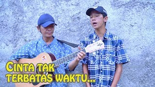 Video Bikin Baper!! Sahrul Setiawan - Cinta Tak Terbatas Waktu (Pengamen Jalanan Anak Ayah Suara Merdu) download MP3, 3GP, MP4, WEBM, AVI, FLV September 2018