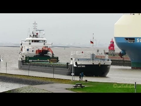 self discarging bulk carrier  AASFJORD ZDPA5 IMO 9321392 Emden coaster merchant vessel KüMo Frachtsc