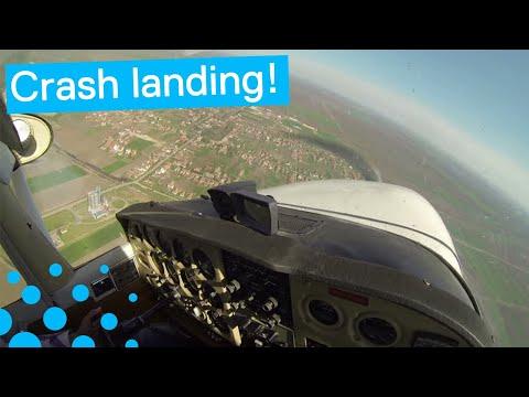 PILOT CAPTURES TERRIFYING MOMENT PLANE CRASH LANDS