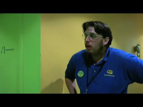 Hardly Working: Best Buy Manager