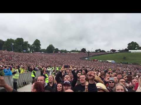 Guns N' Roses Welcome To The Jungle live st Slane Castle 2017 May
