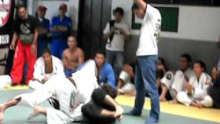 GRACIE BARRA COLOMBIA (Sebastian Sarria GB Samurai Team Cali  vs Dominique Vera TL Bogota)