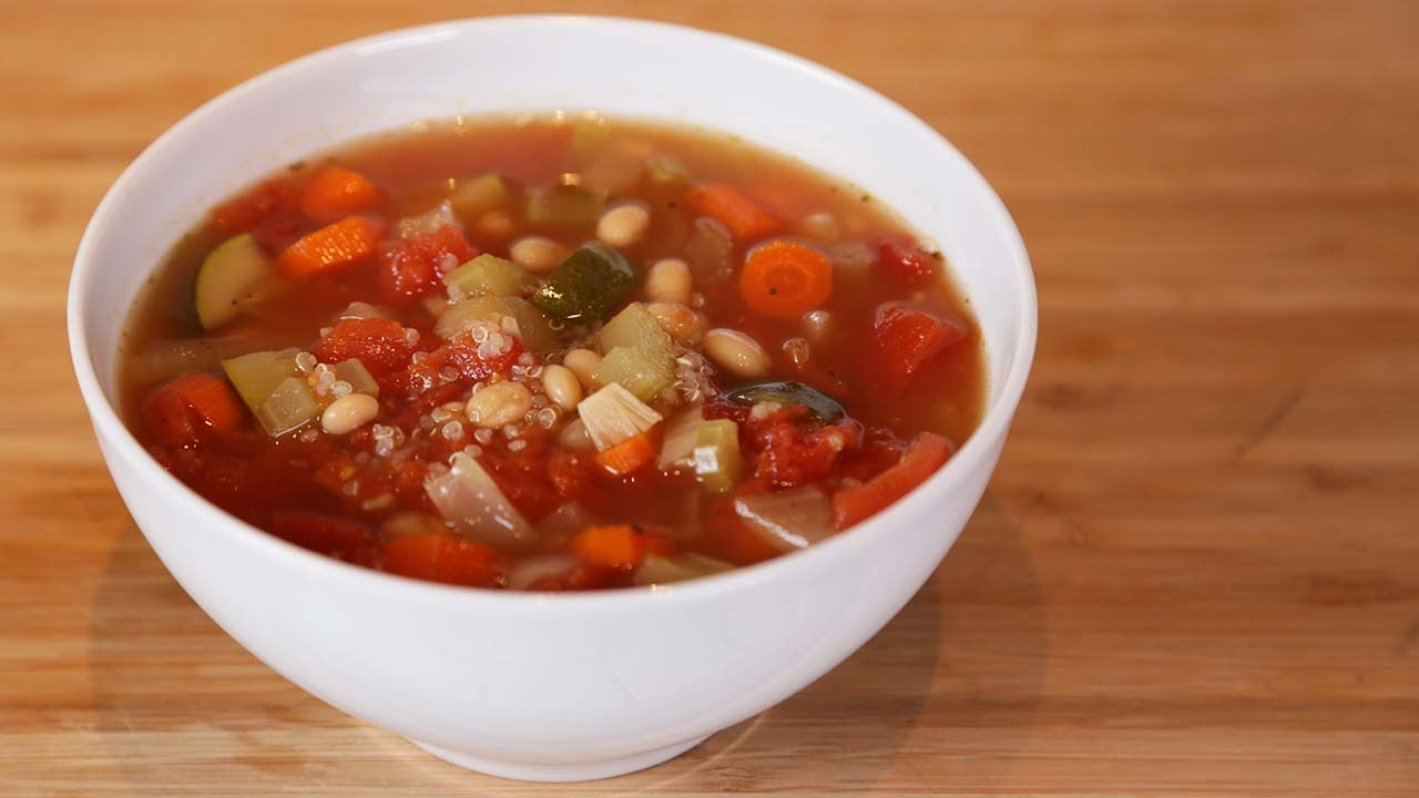 Minestrone Soup | Slow Cooker Meals - YouTube