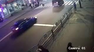 Видео наезда внедорожника Lexus на пешеходов в Харькове.