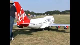 Video BOEING 747 - Avion a escala de Virgin Airlines download MP3, 3GP, MP4, WEBM, AVI, FLV Agustus 2018