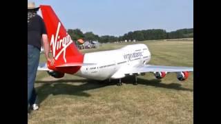 Video BOEING 747 - Avion a escala de Virgin Airlines download MP3, 3GP, MP4, WEBM, AVI, FLV Juni 2018