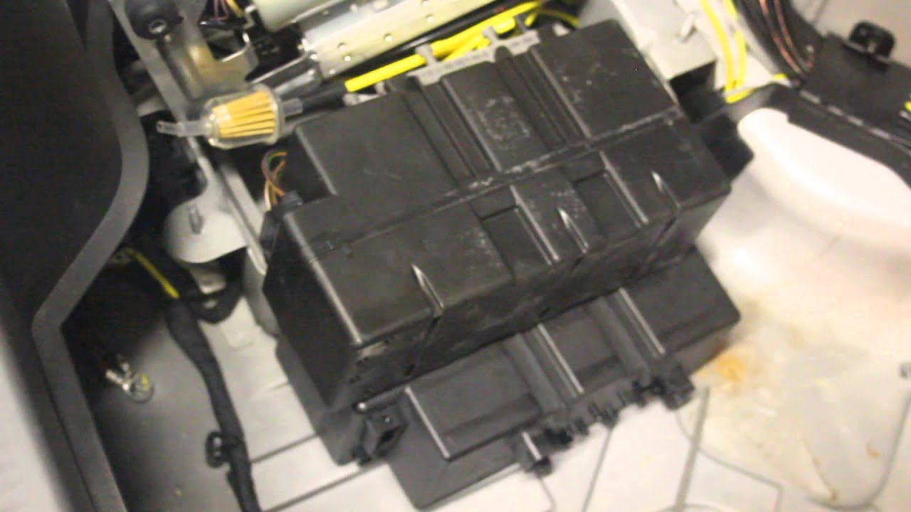 2003 SL500 Vacuum Pump  YouTube