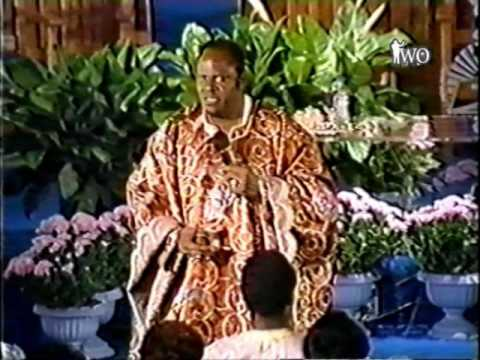 Archbishop Benson Idahosa - How To Find Favor With God 3