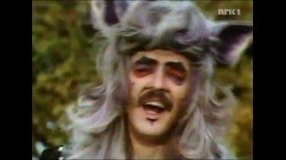 Rock n R oll Wolf. Med Grimm og gru. Mama.
