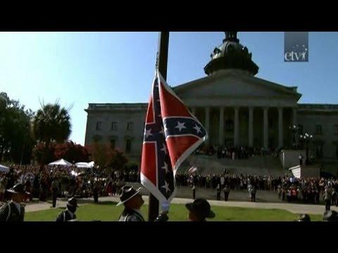 Congreso de Carolina del Sur retira bandera confederada