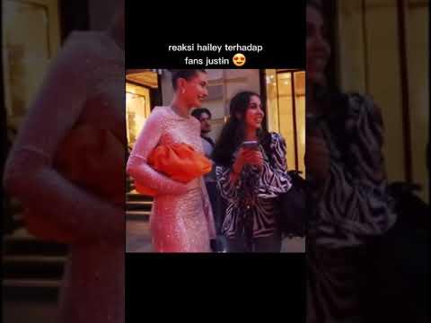 Selena Gomez's reaction to Justin Bieber fans