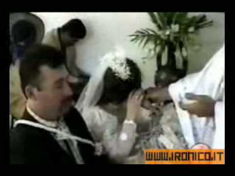 Marito riprende la moglie scopata da ragazzo di colore - 2 3