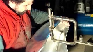 Fabrication d'un reservoir  en alu de moto (cafe-racer)