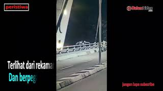 Video Rekaman CCTV Detik Detik Korban Jatuh Dari Jembatan 1 Barelang download MP3, 3GP, MP4, WEBM, AVI, FLV Juli 2018