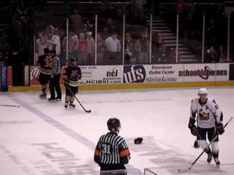 Ryan Reaves vs. Arturs Kulda 040109