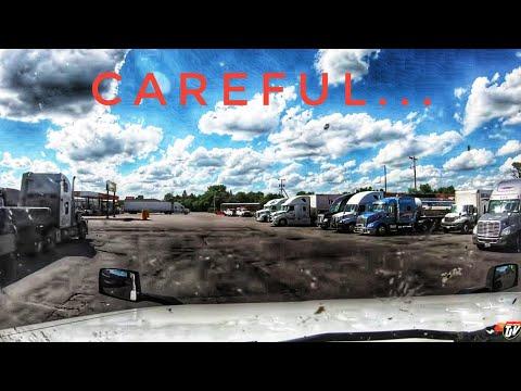 My Trucking Life | CAREFUL... | #1747