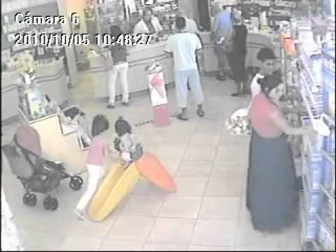 Romer i affären titta och döm själva - Roma in the store look and judge for themselves