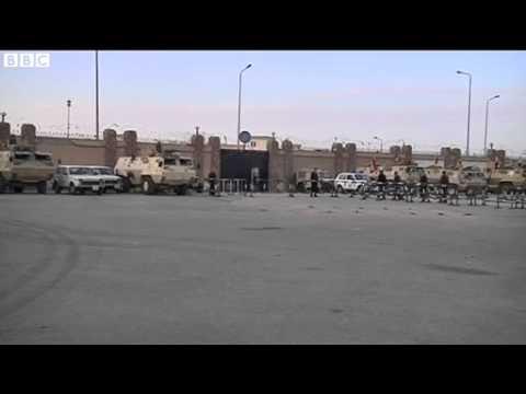 Egypt unrest  Mohammed Morsi absence halts Cairo trial